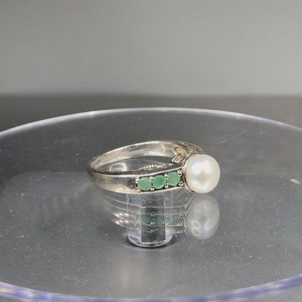 Estate Sterling Silver Pearl & Emerald Ring