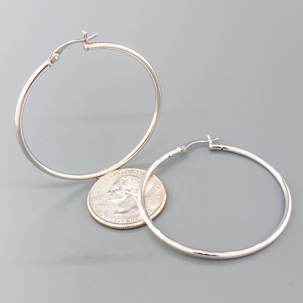 SS Medium Plain Hinged Closure Hoop - Walter Bauman Jewelers