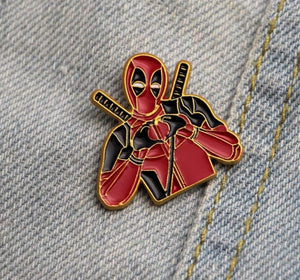 Deadpool metal brooches. - Adilsons