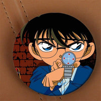 Detective Conan Case Closed Brooch. - Adilsons