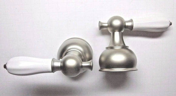 TRADITIONAL PORCELAIN LEVEL HANDLES