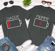 Load image into Gallery viewer, Daddy Mommy Pregnancy Low and Charged Battery Matching Couples Shirts