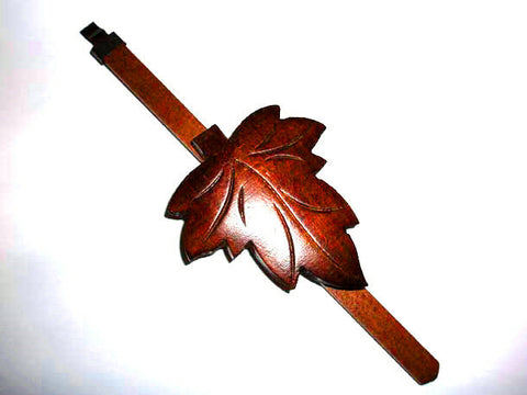 One day cuckoo pendulum with maple style leaf
