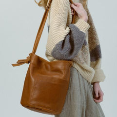 erin templeton, crossbody, bucket, vancouver, leather, bag, accessories