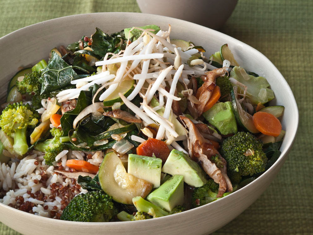 Benefits of eating quinoa - quinoa rice bowl recipe