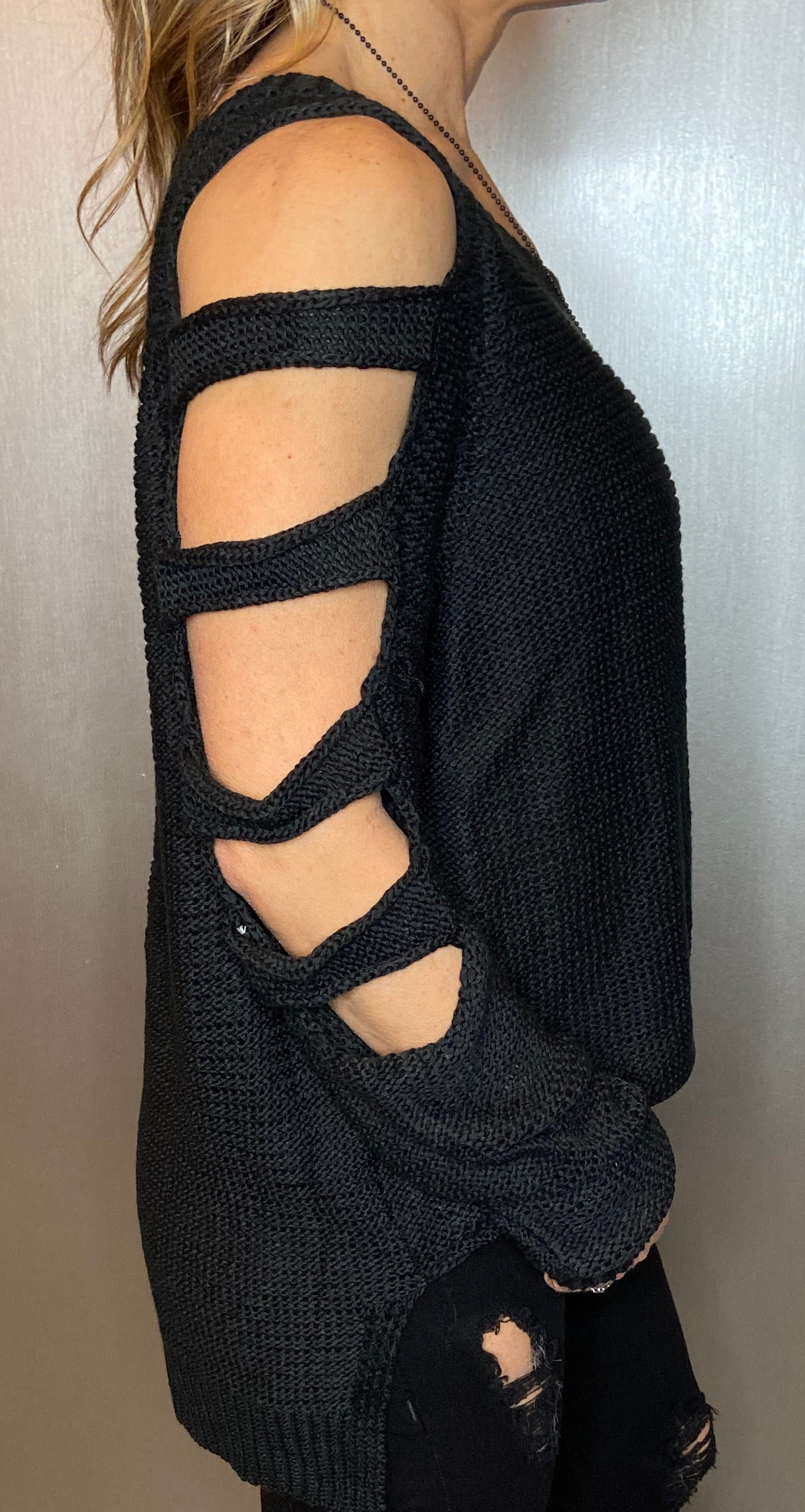 Cut out sleeve knit