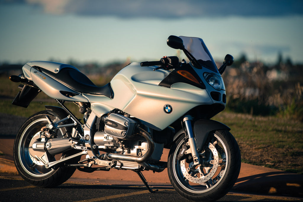 2002 BMW R1100s Motorcycle Review
