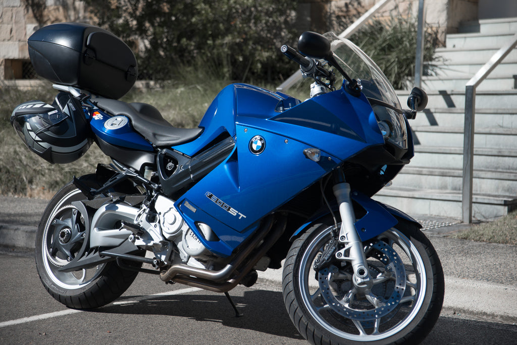 BMW F800ST Blue Review