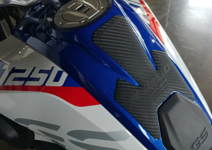 AT Carbon LC R1250GS | Rubbatech tanks pads for BMW