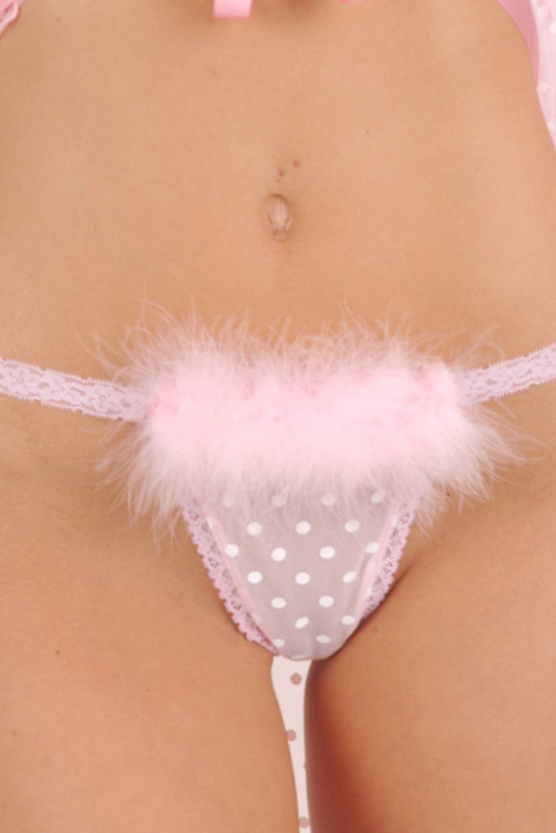 Créme Chantilly Simple G-String with Marabou