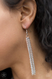 Paparazzi Accessories SCARFed for Attention - Silver