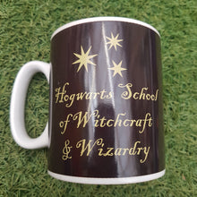Load image into Gallery viewer, Harry Potter 'Hogwarts Crest' Heat Changing Mug