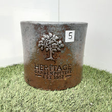 Load image into Gallery viewer, Heritage Rustic  D-Pots £16.99