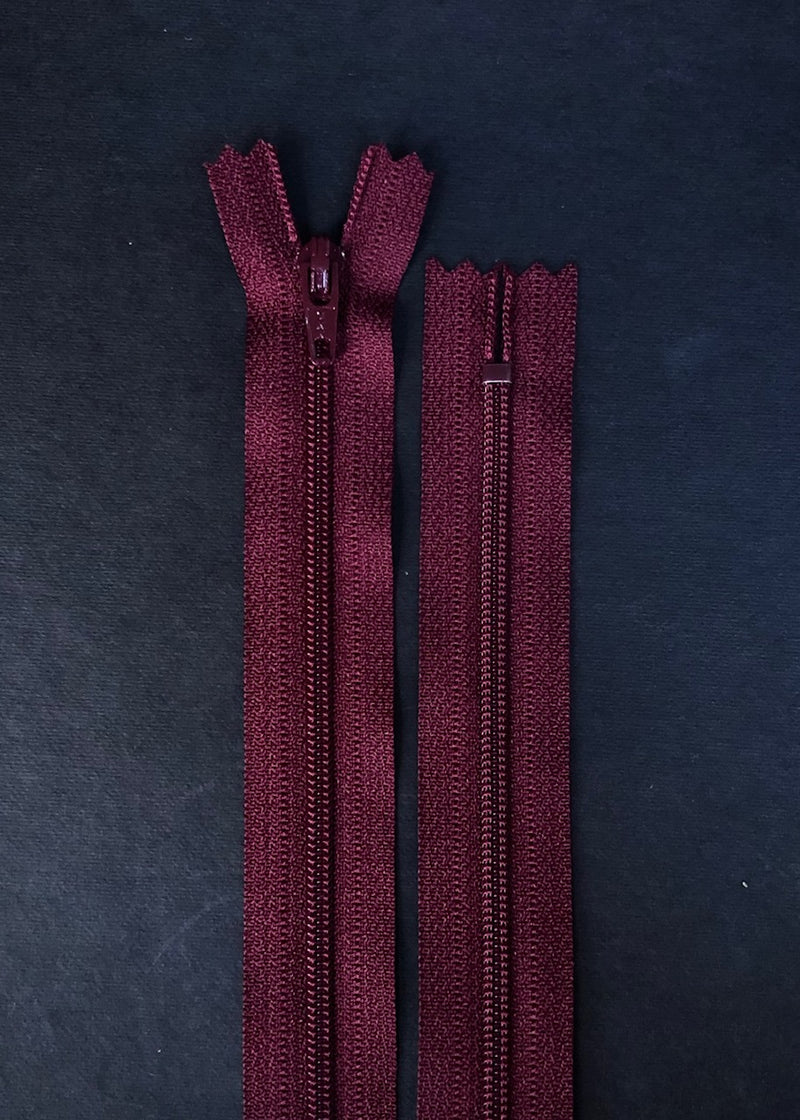 YKK Dress Zip. Bordeaux
