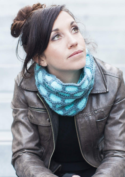 Minerva Cowl, The Woven Knitting Pattern