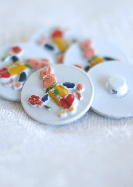 Vintage Italian Bunny Buttons - White. 20mm