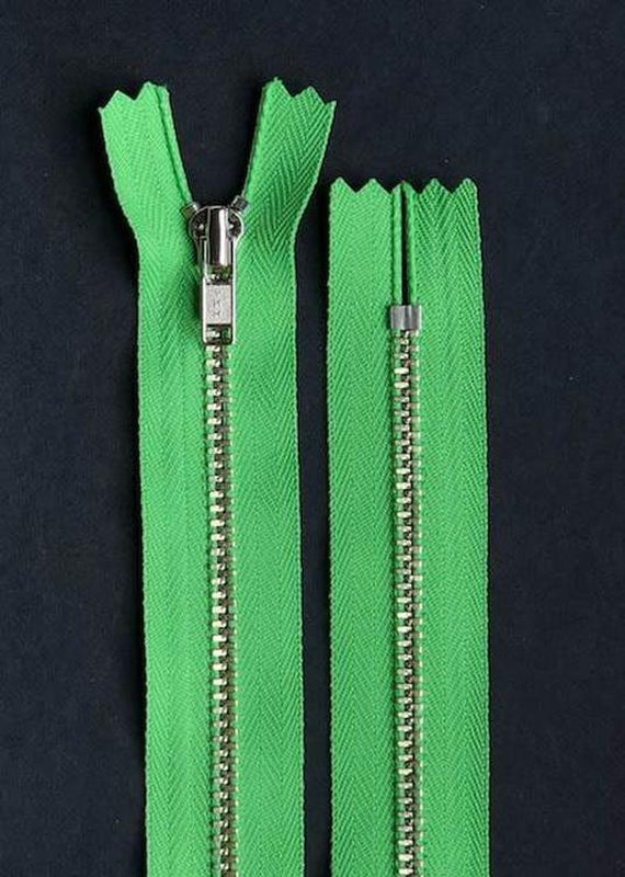 23cm.  YKK Metal, Closed End Zip - Meadow Green