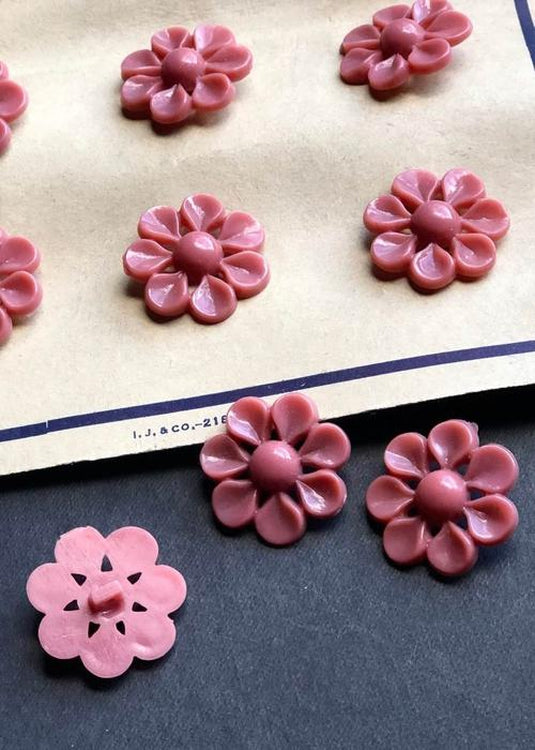 Vintage Buttons. Dusky Rose. 22mm