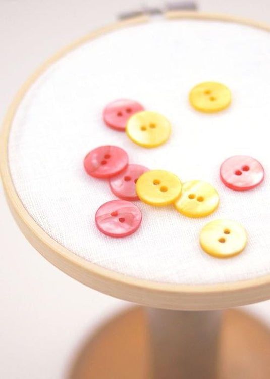 Round Shell Buttons - Set of 6, 15mm.  Coral or Lemon