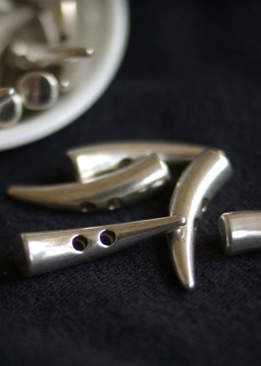 Metal Toggles - Silver  30mm
