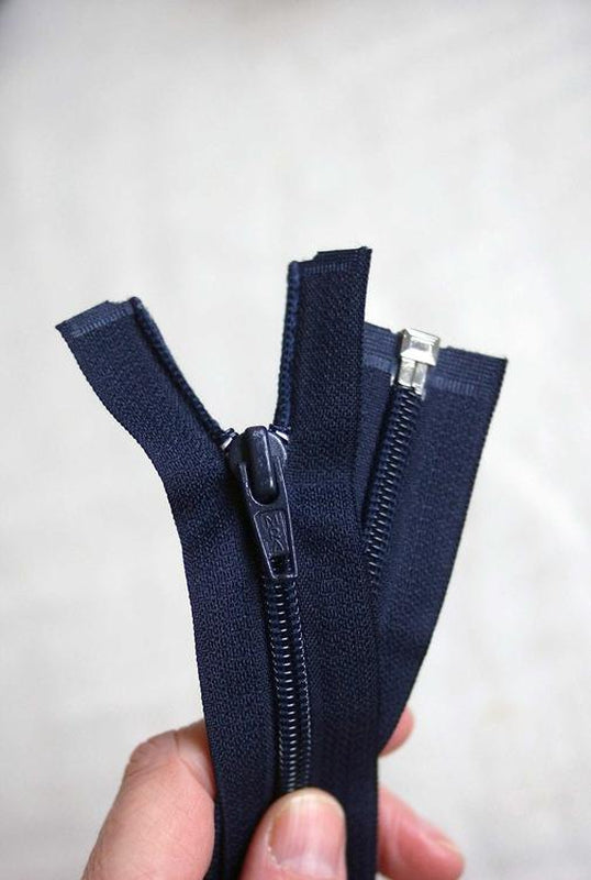 66cm / 26in.  Open Ended Zip.  Black, Navy or White