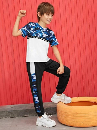 Boys Camo Print Letter Tape Tee And Sweatpants Set