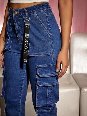 Women Light Wash Flap Pocket Keychain Detail Jeans