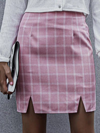 Women M-slit Hem Plaid Skirt