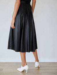 Women Pleated Faux Leather Skirt