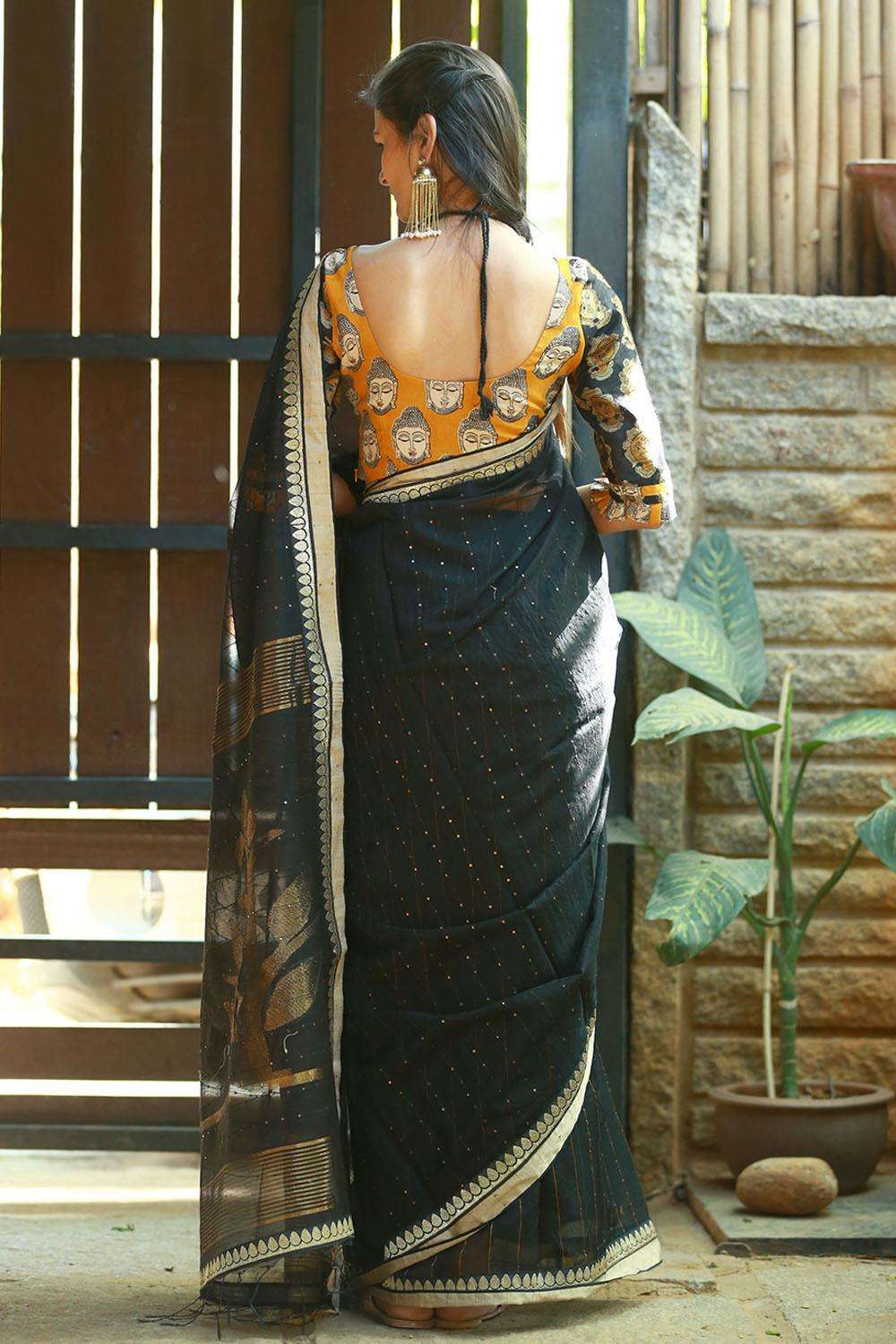 Black resham handloom saree with sequin work - House of Blouse