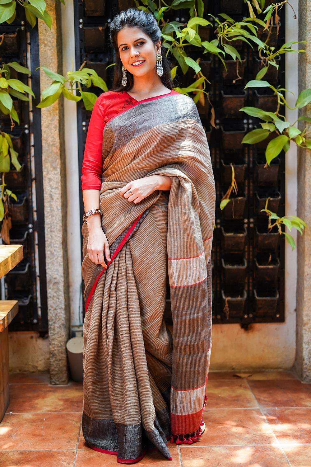 Brown striped handloom linen saree with silvery black tissue border and red edging - House of Blouse