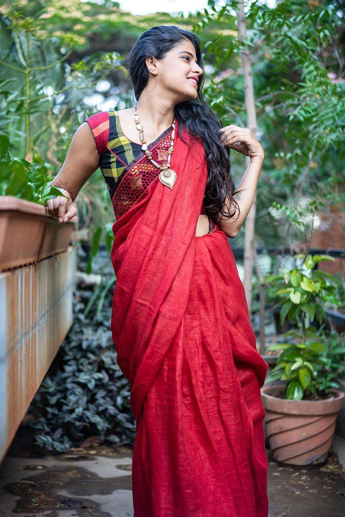 Dark red linen saree with black tissue and cutwork border + cutwork pallu - House of Blouse