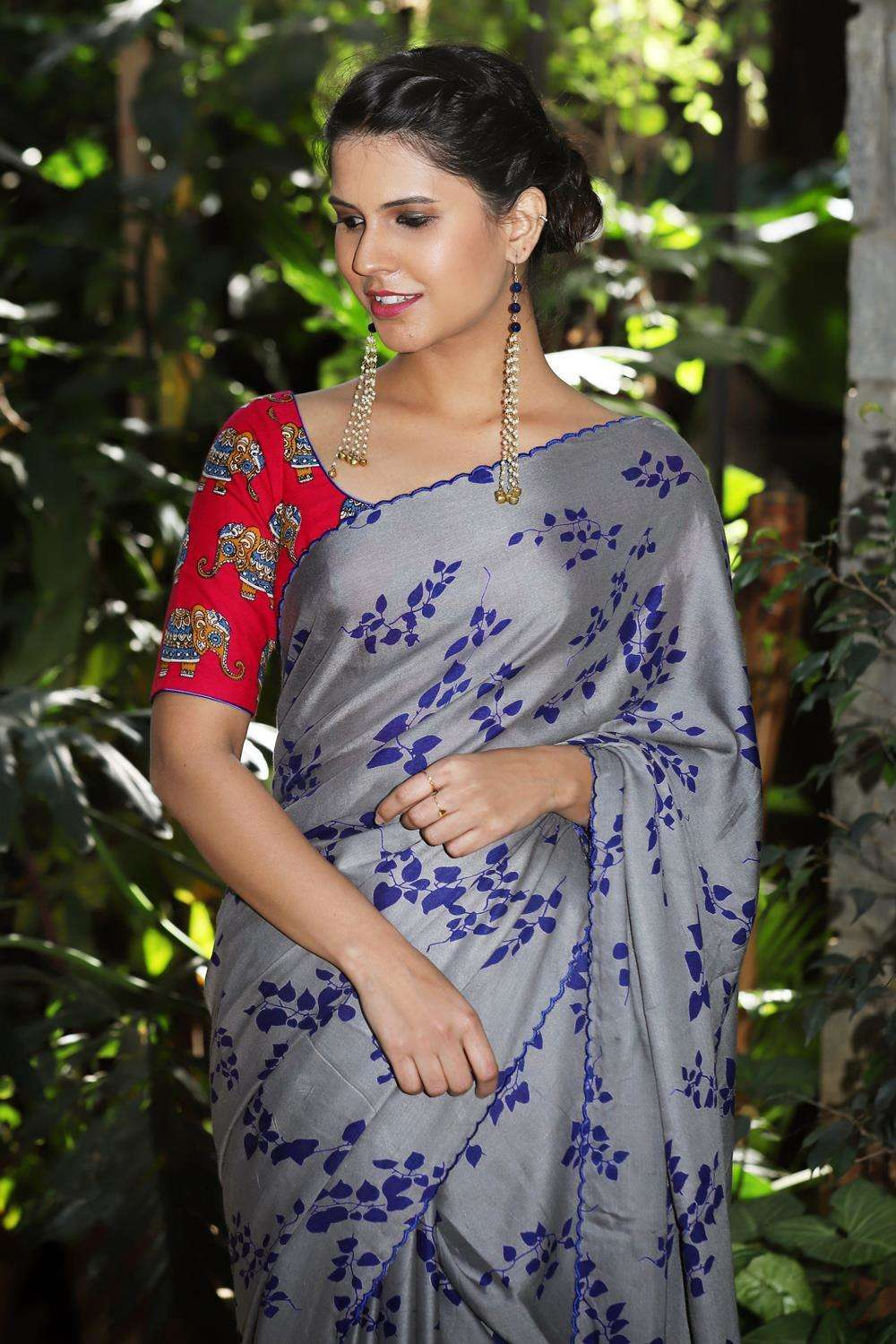 Grey rayon saree with royal blue leaf print and embroidered scallop edging - House of Blouse
