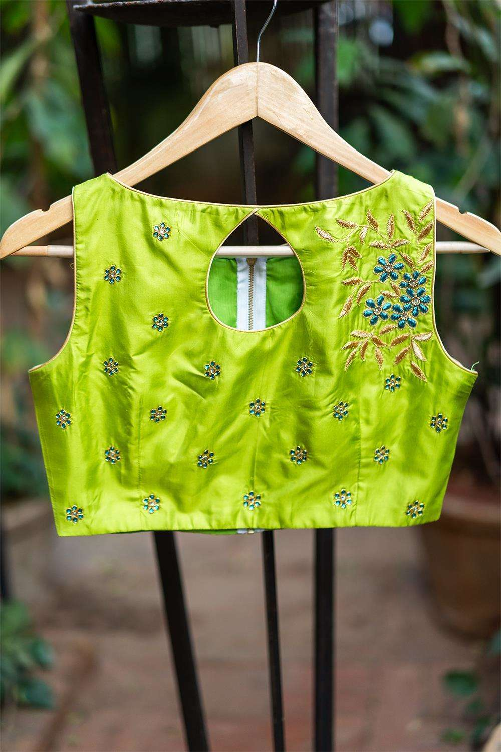 Manoi - Hand embroidered blouse - House of Blouse