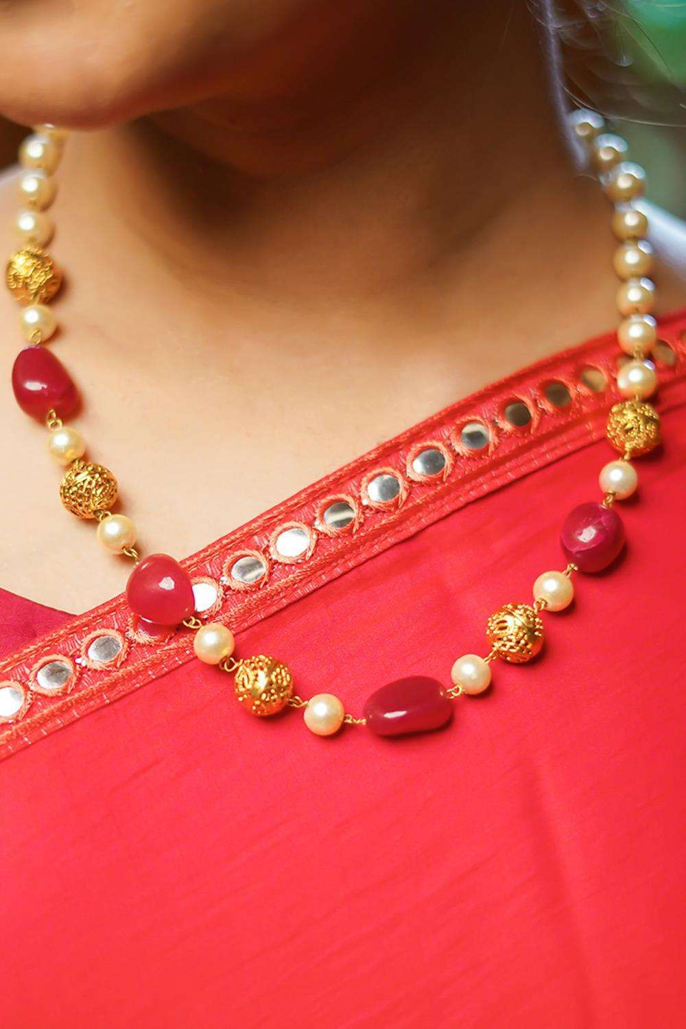 Pearls and Red stones String necklace - House of Blouse