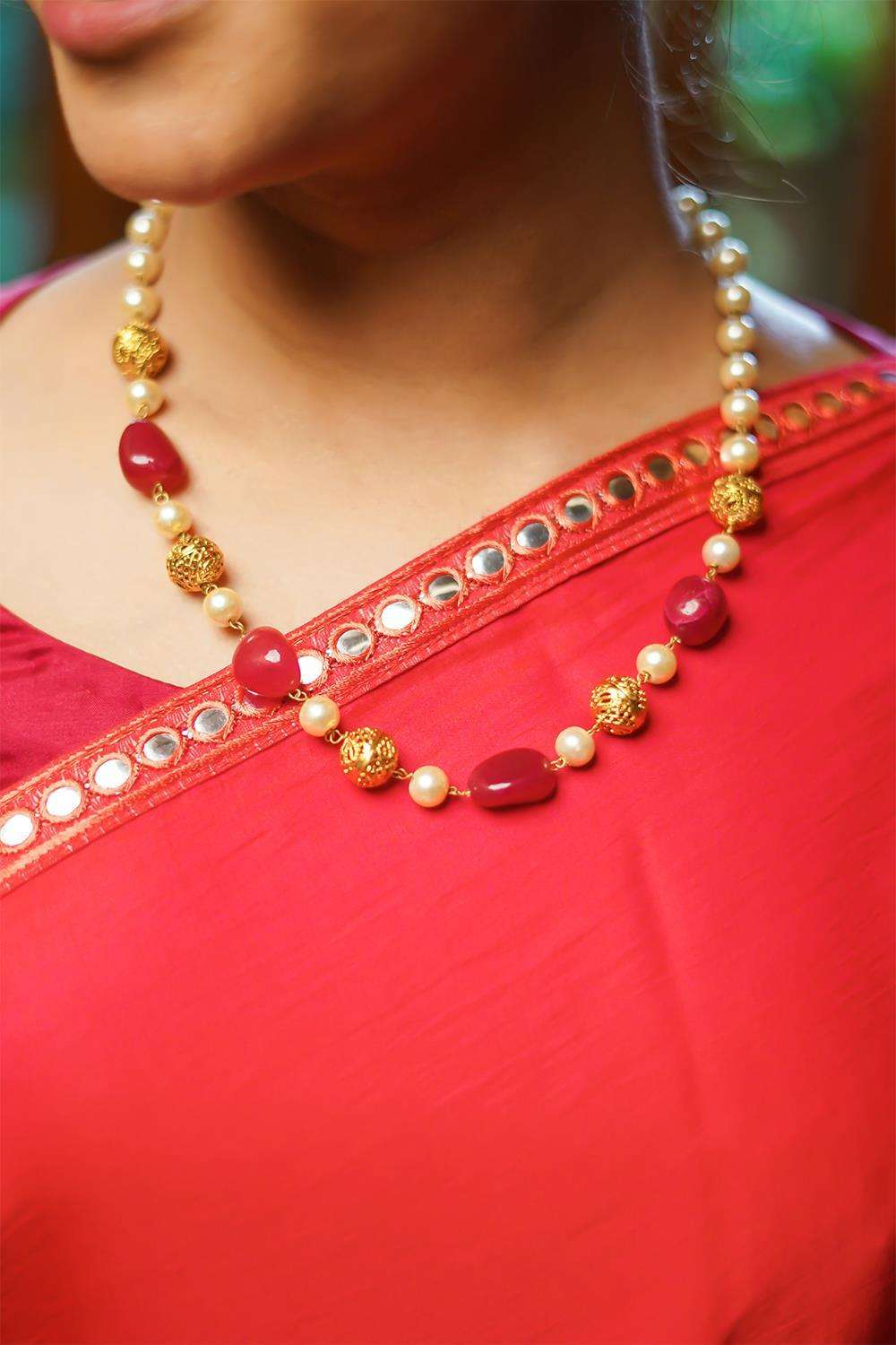 Pearls and Red stones String necklace