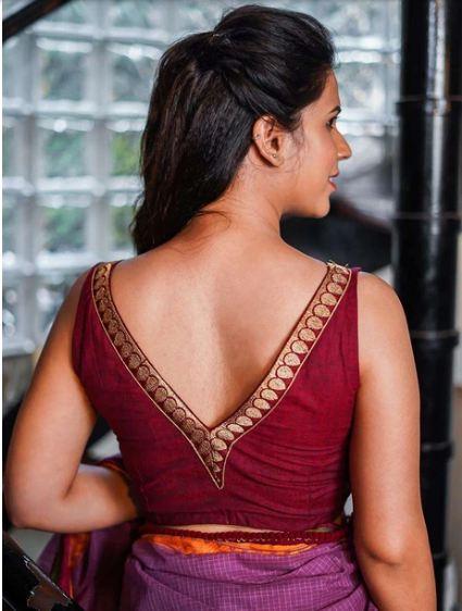 Maroon Khadi cotton V neck sleeveless blouse with maroon zari border: Size -34 - House of Blouse