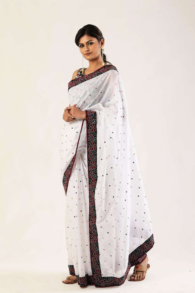 White cotton saree with muticolour mirrorwork and threadwork floral border - House of Blouse