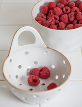 Load image into Gallery viewer, Tan Rim Stoneware Colander with Handle