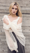 Load image into Gallery viewer, Akari Cashmere Shawl in Cream