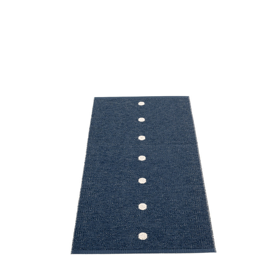 Peg Rug in Dark Blue