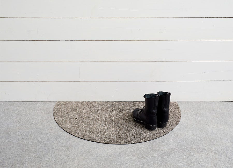 Heathered Welcome Mat in Pebble