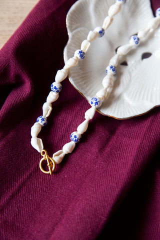 shell & delfts blue necklace