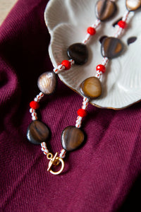 shell & red necklace