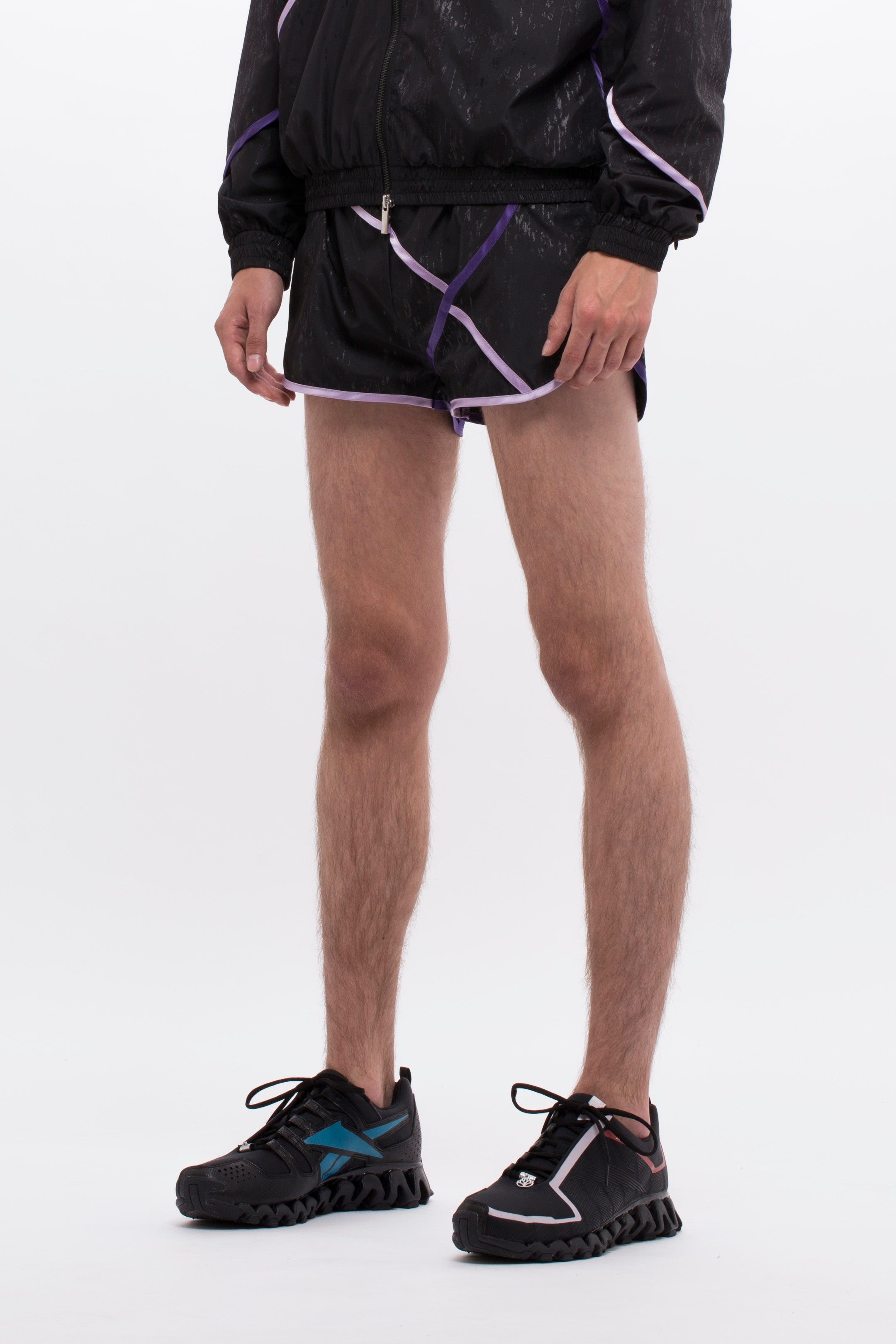 SIGNATURE RUNNING SHORTS - BLACK