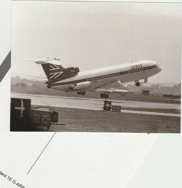 BEA Trident G-ARPG departing HEATHROW - Black/White Postcard