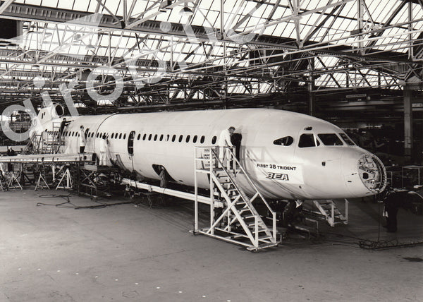 bea hawker siddeley trident 3b first aircraft at hatfield factory 6x airobilia. Black Bedroom Furniture Sets. Home Design Ideas