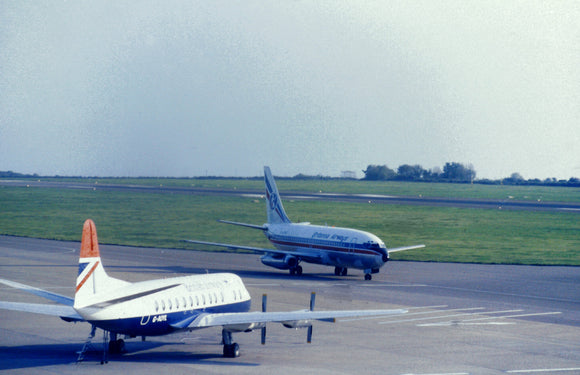 Britannia Airways Boeing 737 with British Airways Vickers Viscount G-AOYL  - ORIGINAL SLIDE