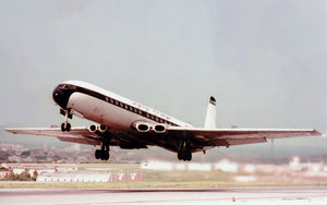 CHANNEL AIRWAYS DH COMET 4 G-APMB DEPARTING MALTA - 6 x 4 Print
