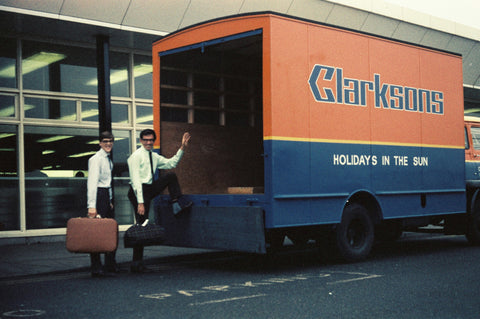 Clarksons Tours / Court Line outside Luton Terminal -  6 x 4 Print OU010